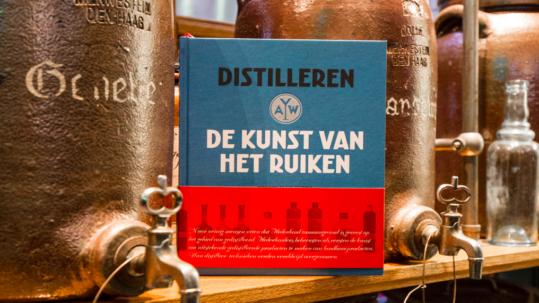 Eat2Gather artikel over boek de kunst van het ruiken van Wees distilleerderij