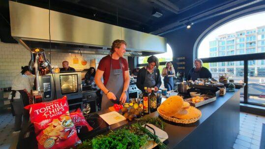 Eat2Gather kookworkshop het Amsterdamse proeflokaal
